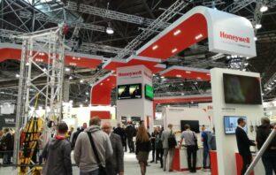 Predstavitelia spoločnosti BOZPO sa zúčastnili Medzinárodnej výstavy v Duseldorfe